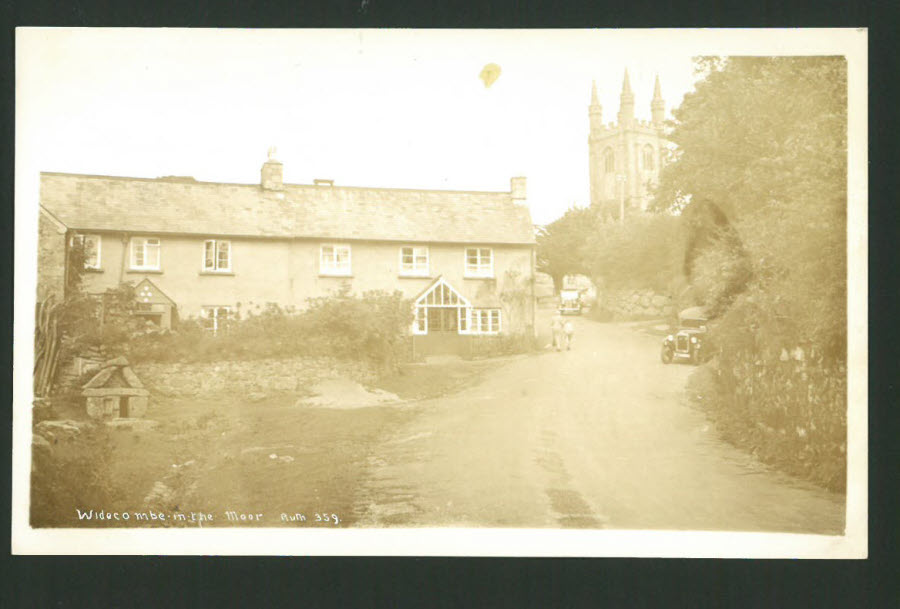 Postcard Devon - Widecombe in the Moor Real Photo